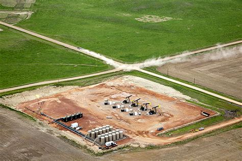 study: oil and gas drilling consuming millions of acres