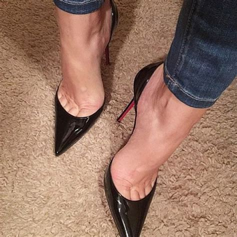 Sticking A Foot Into The Toe Cleavage Debate by 214 Best Heels Images On Heels Shoes Heels