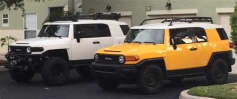 Toyota Fj Jeep by Toyota Fj Cruiser Versus The Jeep Wrangler Jk Gpr Dna