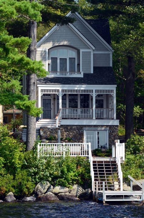 lake cottage home