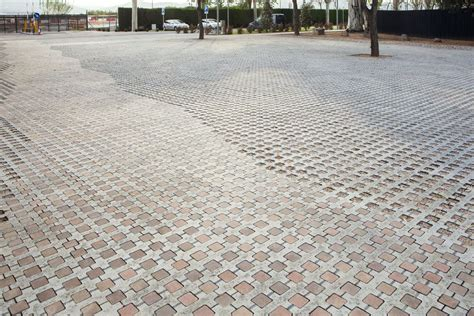 pavimento drenante pavimento drenante llosa trama en museu de les aig 252 es una