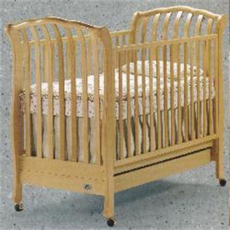 Golden Baby Crib 170 000 Wooden Cribs Sold By C T International Sorelle