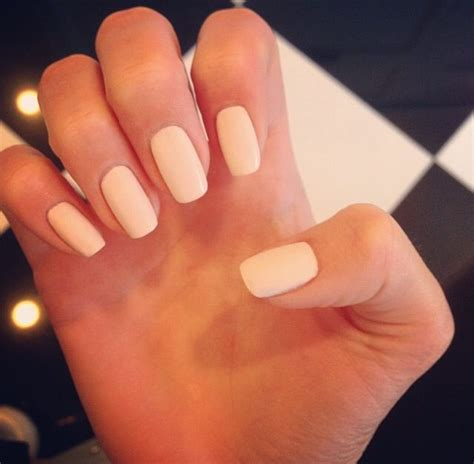 Opi Light Pink by Kendall Jenner S Matte Cream Colored Nails Nails