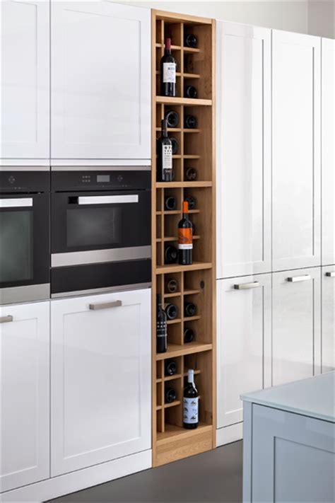 range bouteille dans cuisine monde du vin