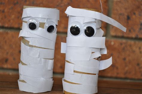 Mummy Toilet Paper Roll Craft - scary mummy craft brisbane