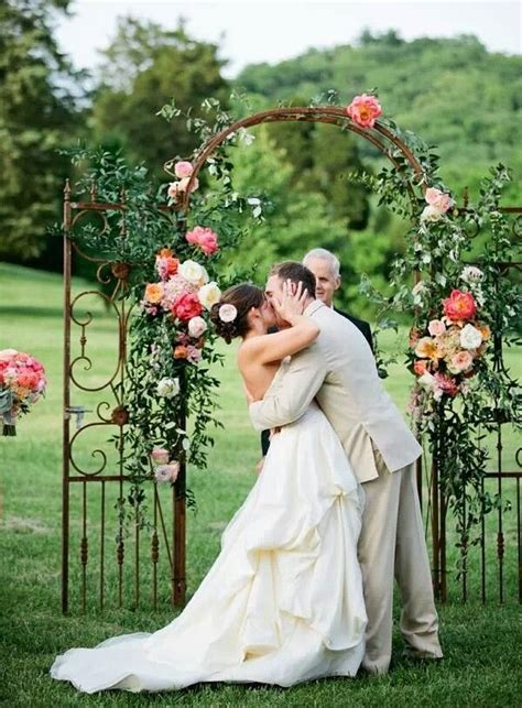 Wedding Arch Ideas Outdoor Weddings by Image Gallery Outdoor Arches