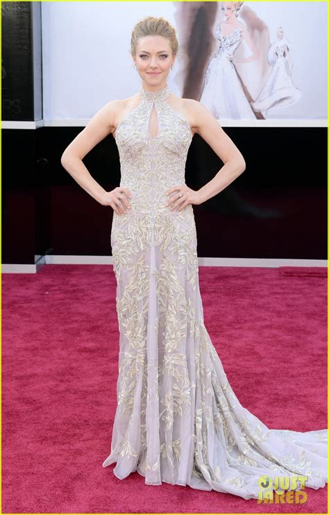 amanda seyfried red carpet amanda seyfried oscars 2013 red carpet photo 2819067