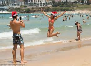 how do australians celebrate christmas australian celebrate on the as heatwave sweeps country daily mail