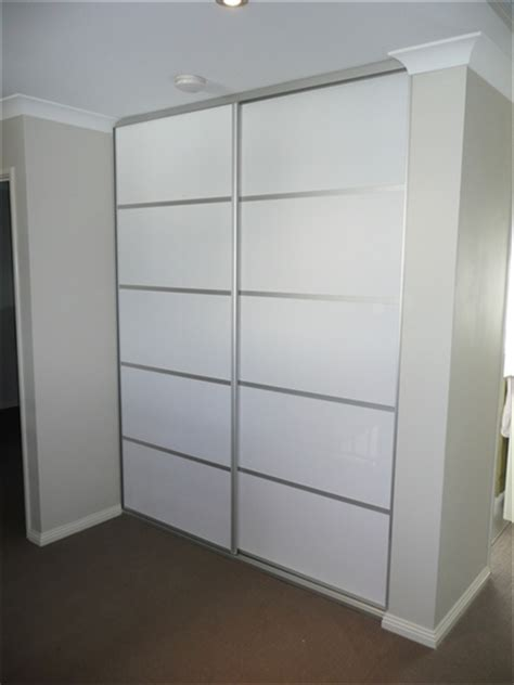 Diy Built In Wardrobe Doors - diy sliding wardrobe doors custom made diy doors