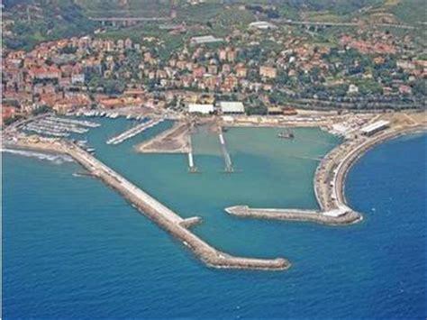 porto d imperia porto di imperia ports de plaisance en ligurie inautia