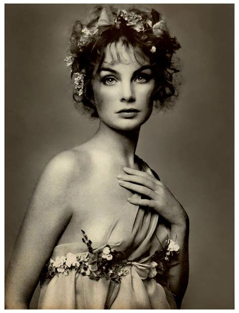 jean shrimpton by richard avedon 1968 hanging by a