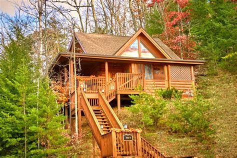 Cabins Near Dollywood Pigeon Forge Tennessee by Pigeon Forge Cabin Rental Near Dollywood With Indoor Pool