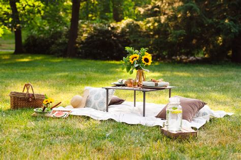 7 Great Outdoor Date Ideas For The Summer by 6 Great Outdoor Date Ideas The Gentlemanual A Handbook