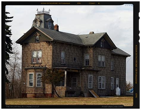 best haunted houses in ct the haunting in connecticut pants in a can