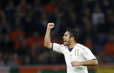detik bola italia italia buyarkan euforia belanda hanya dalam 67 detik