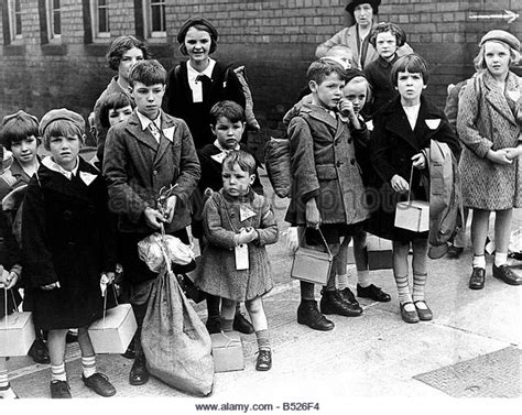 children and world war 1445105799 evacuated children ww2 stock photos evacuated children ww2 stock images alamy