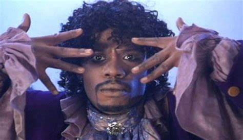 chappelle s show is back at hulu dave s 5 best sketches