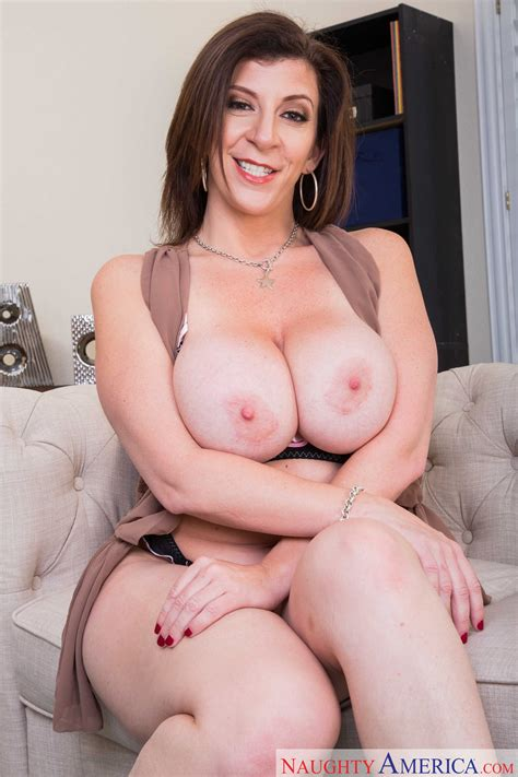 Big Titted Housewife Is Satisfying Herself Photos Sara
