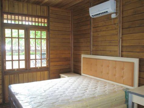gambar wallpaper rumah cantik desain rumah cantik serta elegan menggunakan kayu jati