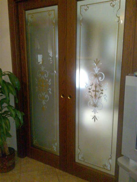 porta scorrevole legno e vetro porta scorrevole in legno e vetro decorato vetrarte gr
