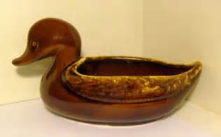hull usa pottery imperial duck planter mirror brown on