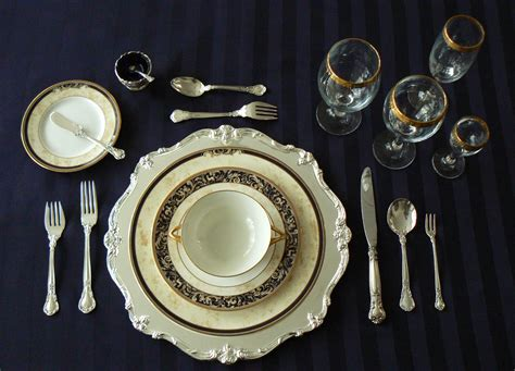 table setting ways to properly set a table banquet king