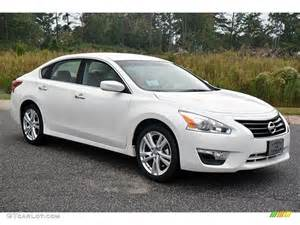 2014 White Nissan Altima Nissan Altima 2014 White Wallpaper 1024x768 38469