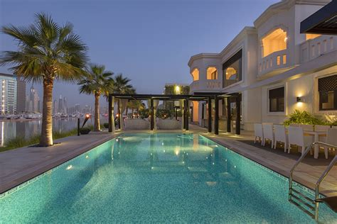 listing of the day high fashion on the dubai waterfront