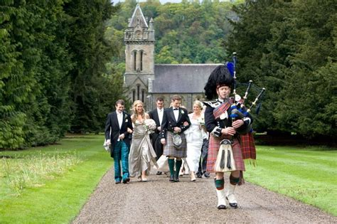 Wedding Aisle Bagpipes by 5 Ways Of Celebrating A Dreamy Castle Wedding