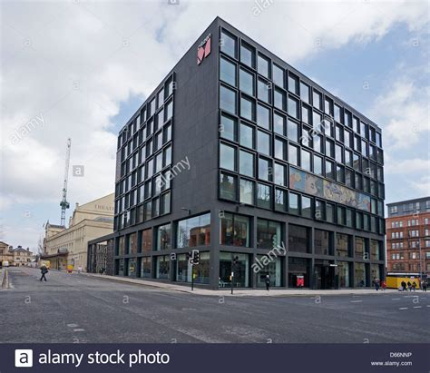 citizenm hotels citizenm hotel in on the corner of renfrew street and hope