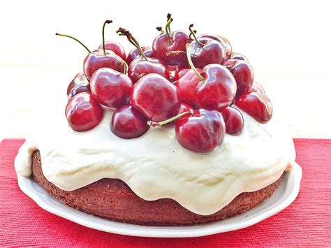 tartas en flor el 8416138184 tarta de cerezas y chocolate blanco con delantal y a lo loco