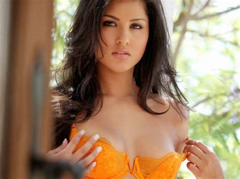biography in hindi of sunny leone star hd photos indian sex appeal sunny leone