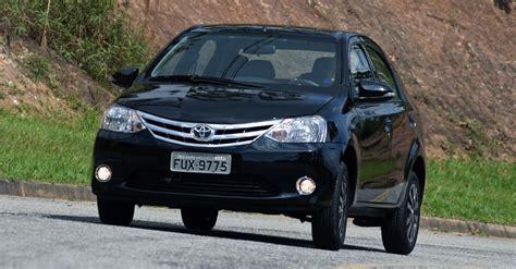2016 Toyota Etios Valco1 2 E M T etios platinum o popular da toyota na india que veio ao