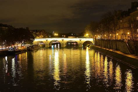 boat tour paris night illuminations of paris night tour seine river cruise