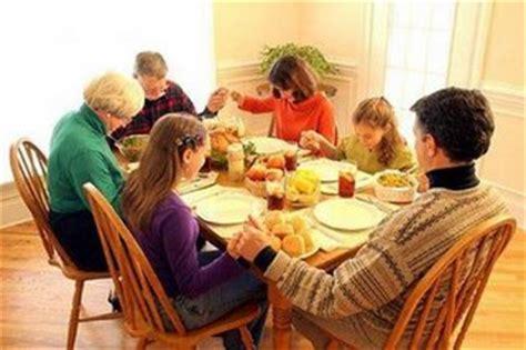 imagenes cristianos orando la iglesia en las casas la palabra del reino