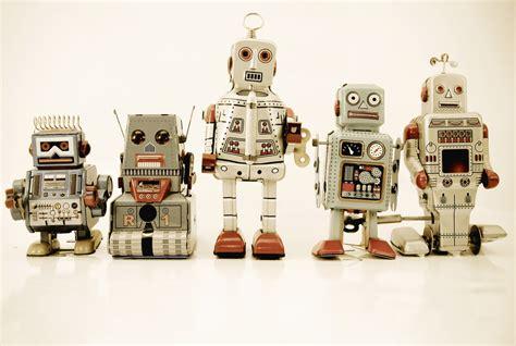 morris robot futuristic 50ml 08 june 2013 morris your eye on the future