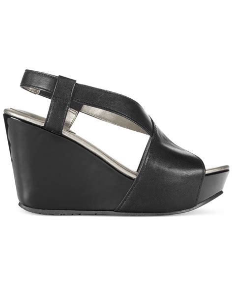 kenneth cole reaction wedge sandals kenneth cole reaction s sole cross platform wedge