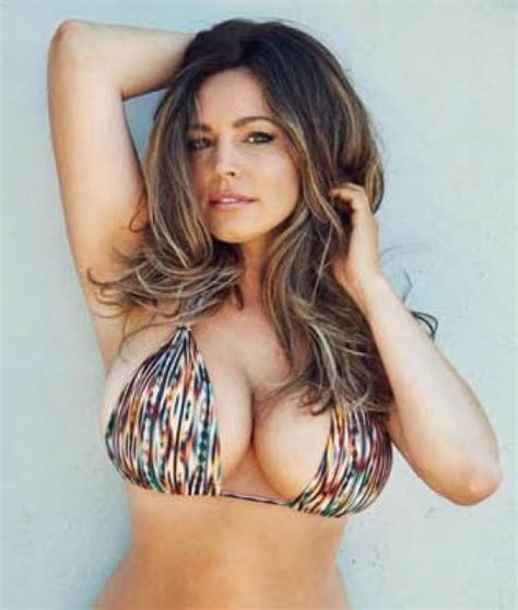 kelly brook official 2017 kelly brook in official 2017 calendar celebzz