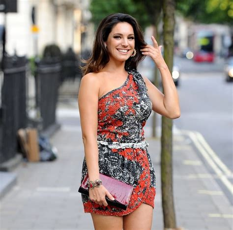 kelly brook shows off her kelly brook pictures kelly brook dresses up in london
