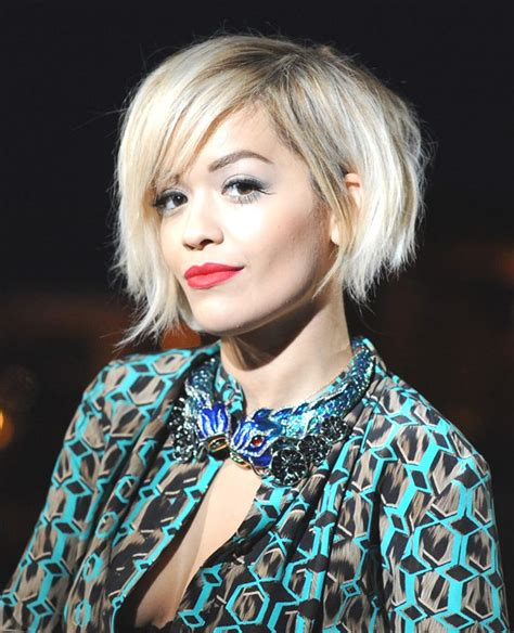 rita oras new short haircut from the 2015 grammy awards lipstick рита ора морала да носи перика локално