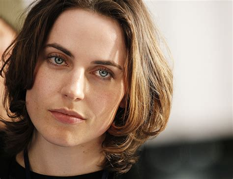 Updated on september 11 2015 by admin comments off on antje traue