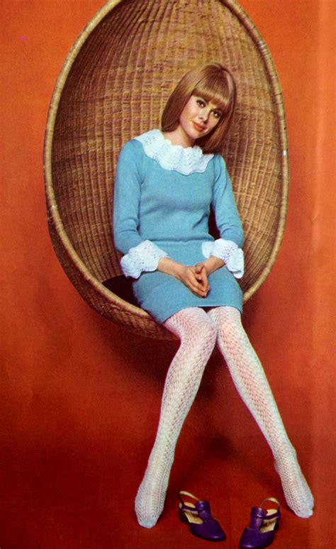 Get Mod Chic To Rival The 60s Pin Ups by Vogue 1967 Repinned By Www Lecastingparisien 60s