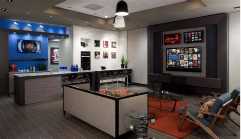 10 Man Caves with Huge Flat Screen TVs