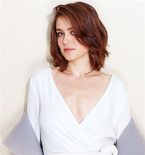 what makeup does megan boone on the black lisf 4 megan boone opens up about the blacklist favorite