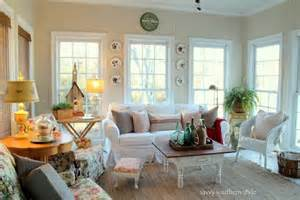 Southern Style Home Decor Sun Room Paint Colors White Sand And Chantilly Lace By Benjamin Paint Colors
