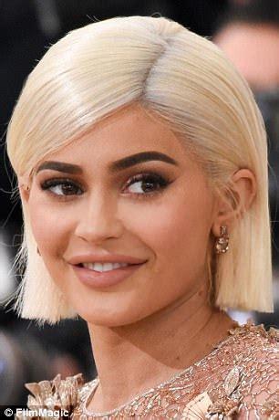 2017 met gala hair and makeup trends | daily mail online