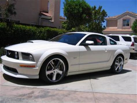 2010 mustang gt tire size 2005 2009 mustang gt kmc 20 x 8 5 wheels and tires