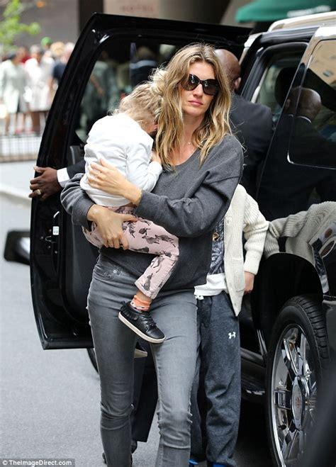 Giseles New Not Shabby by Gisele Bundchen And Husband Tom Brady Carry Children