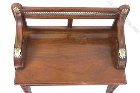A Superb Walnut Sette Window Walnut Window Seat By Shoolbred Co Antiques Atlas