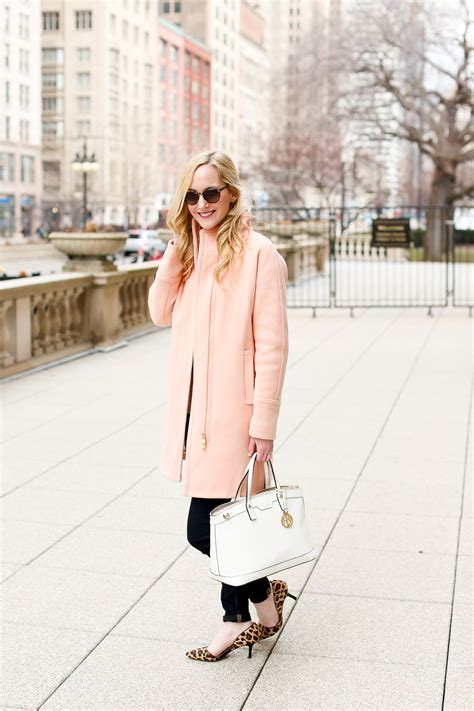 light pink cocoon coat downtown chicago in the city